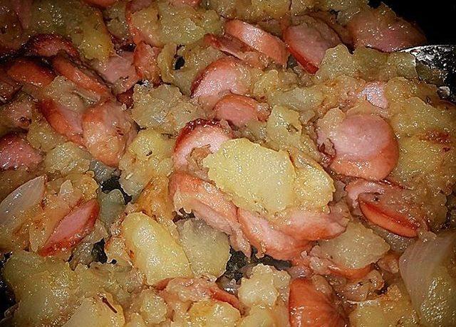 Patate Wurstel e Cipolle in padella