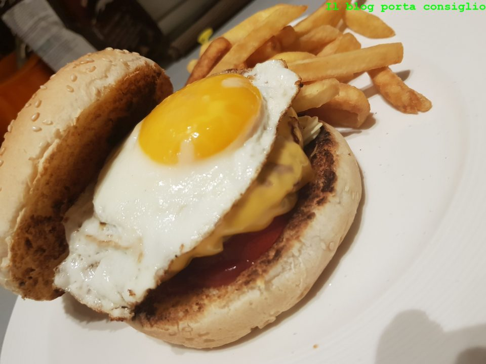 Cheeseburger con uovo alla piastra! Slurpp